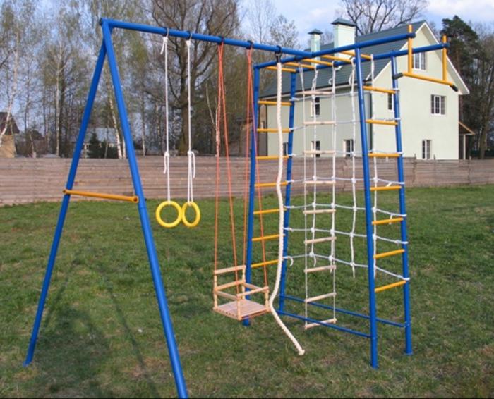 ДСК Городок Дачный П-образный уличный спортивный комплекс
