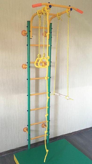 ДСК Веселый Непоседа модель Пристенный-Лайт (с регулируемым по высоте турником)