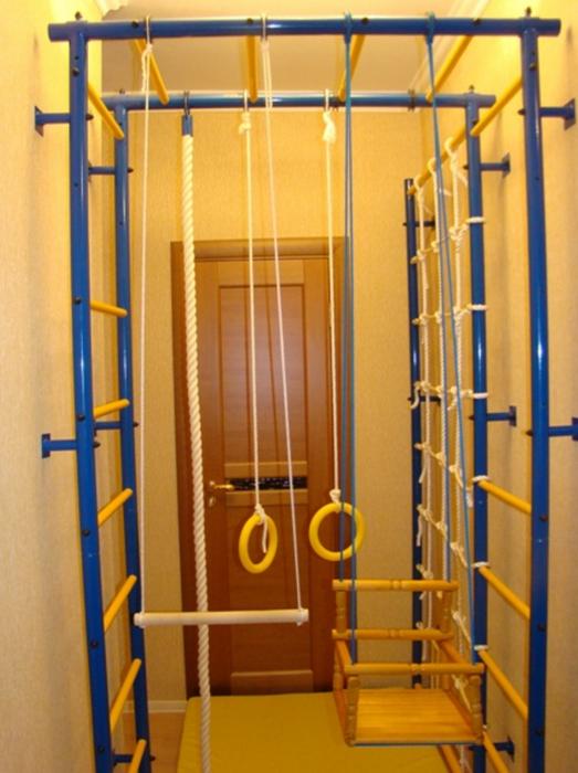 ДСК Городок П-образный с сеткой и креплением к стене детский спортивный комплекс