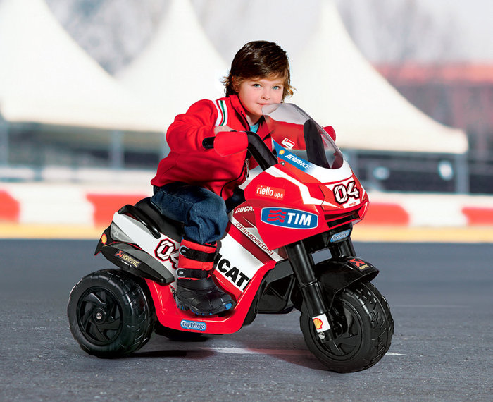 Детский мотоцикл для детей Peg Perego Desmosedici Valentino Rossi IGED0919