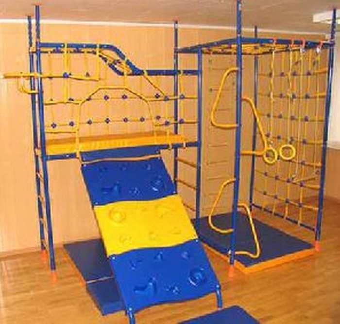 ДСК Веселый Непоседа 7-ми опорный спортивный комплекс для дома со скалодромом
